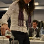 Ioana de la artvinum.com la degustarea de vin