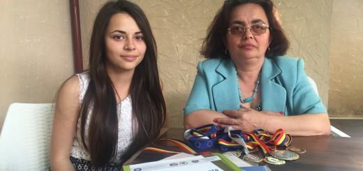 Iulia Pușcașu și mama ei, Camelia Pușcașu